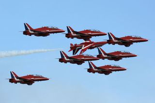 40RedArrows-thumb-450x300-53689